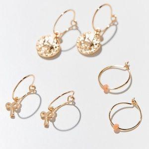 UO Aries Zodiac Charm Hoop Earring Set